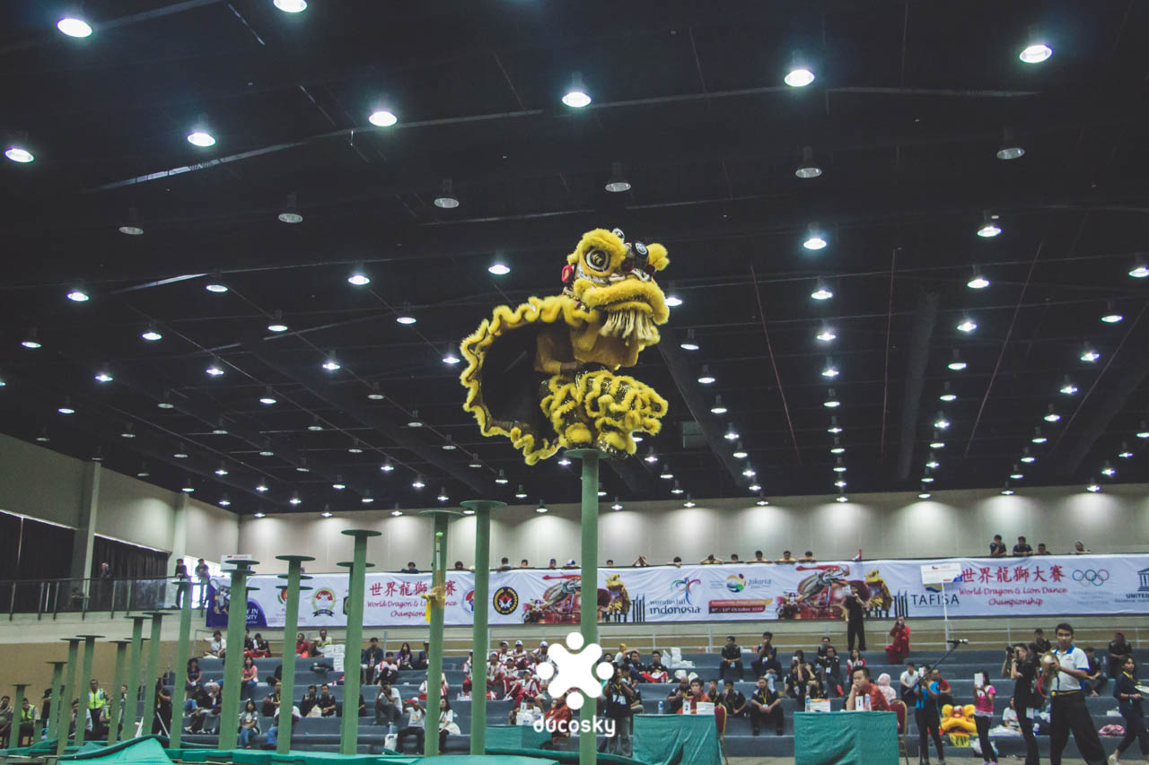 Smooth landing by Bodhi Dharma Shaolin team from Bangka, Indonesia, on South Lion Dance on Stilt, won the first place.